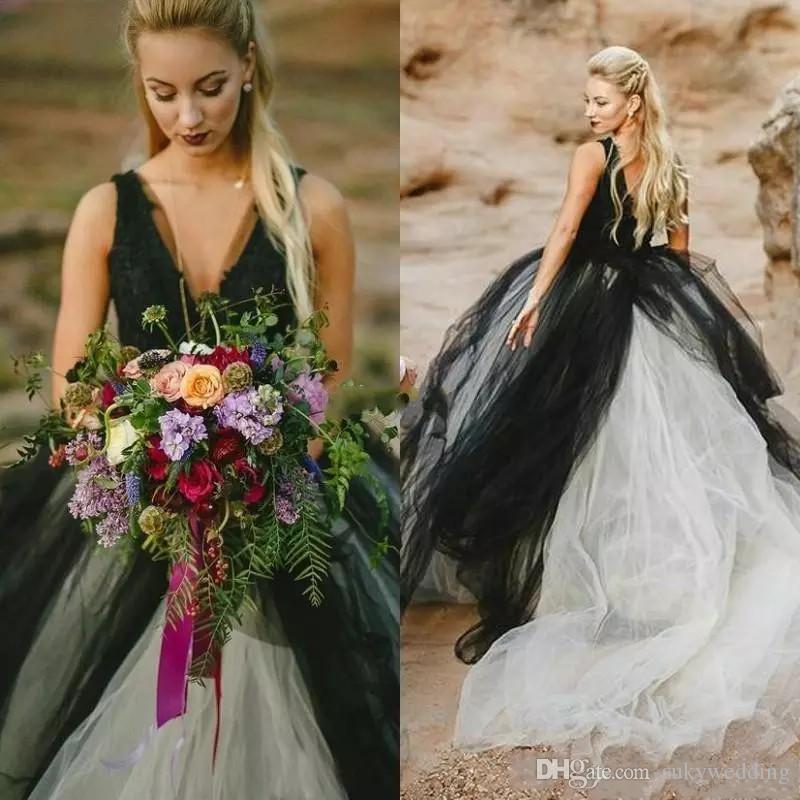 Nupcial gótico Vintage vestidos de casamento preto e branco barato Vestidos Lace Top V profundo Neck mangas Backless Noivas Vestidos com Tulle Skirt