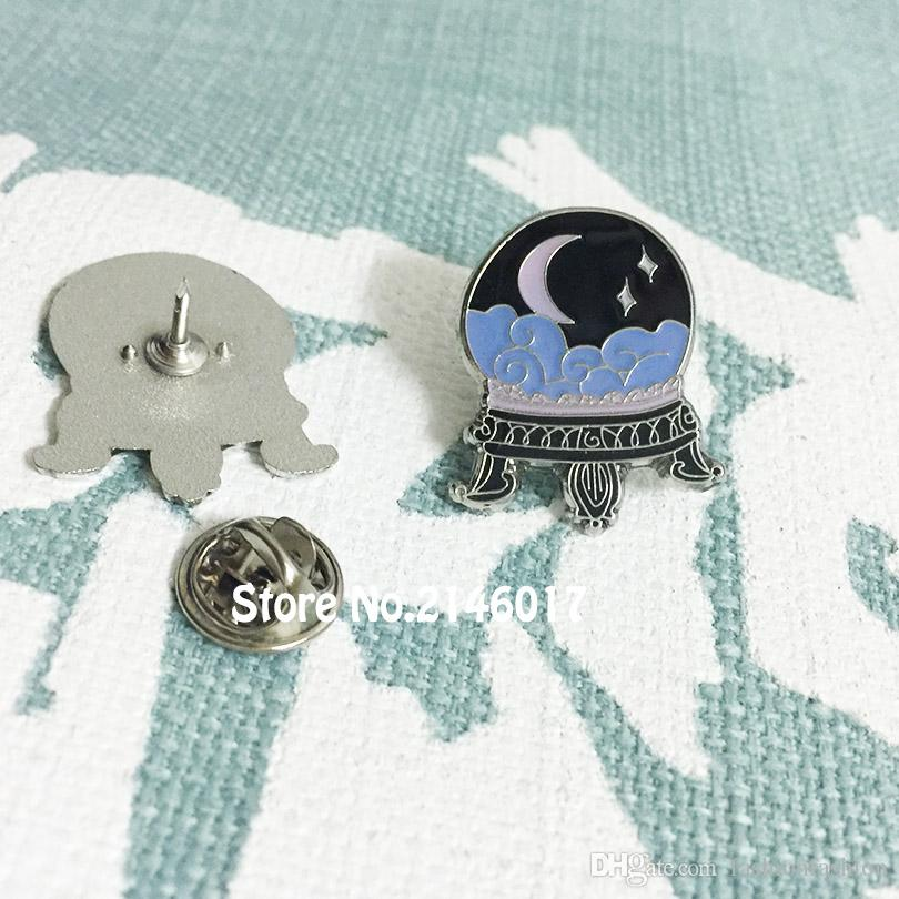 Crystal Ball FREE SHIPPING WORLDWIDE z1812-90 Enamel Pin Witchcraft