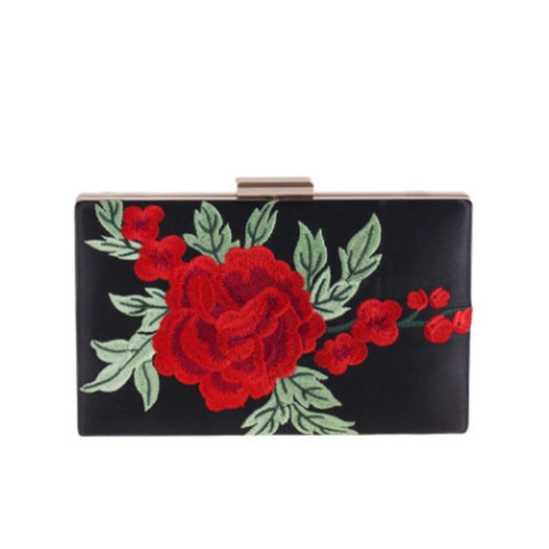 2017 Vintage Embroidery Women Evening Bag Rose Embroidered Pink White Black Evening Bag Messenger Chain Shoulder Small Handbags