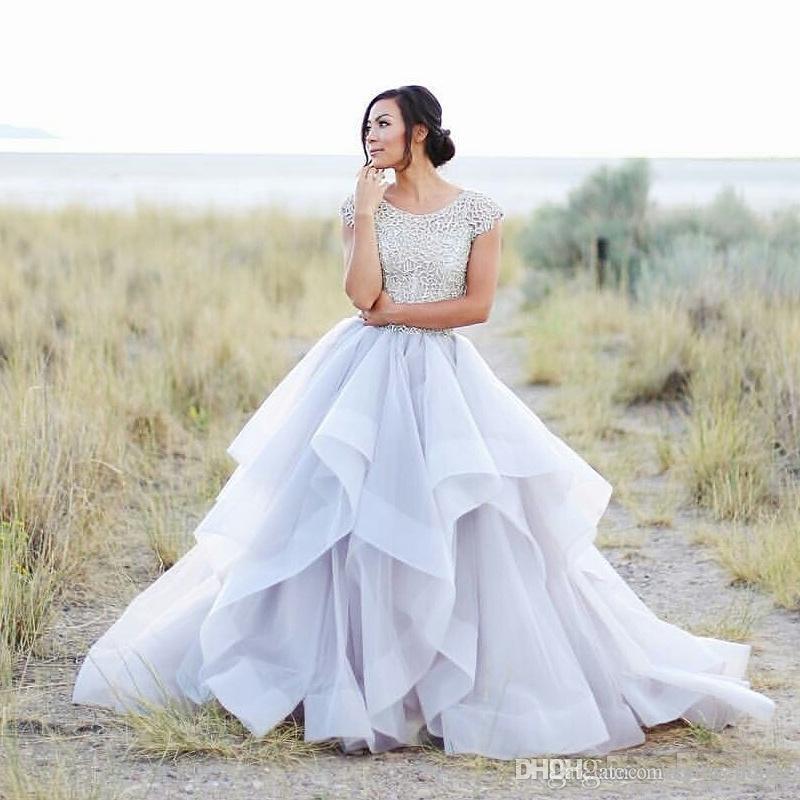 2017 Sparkly Beading Top Wedding Dresses Organza Ruffles Bridal Dress Elegant Summer Short Sleeves Beach Wedding Gowns