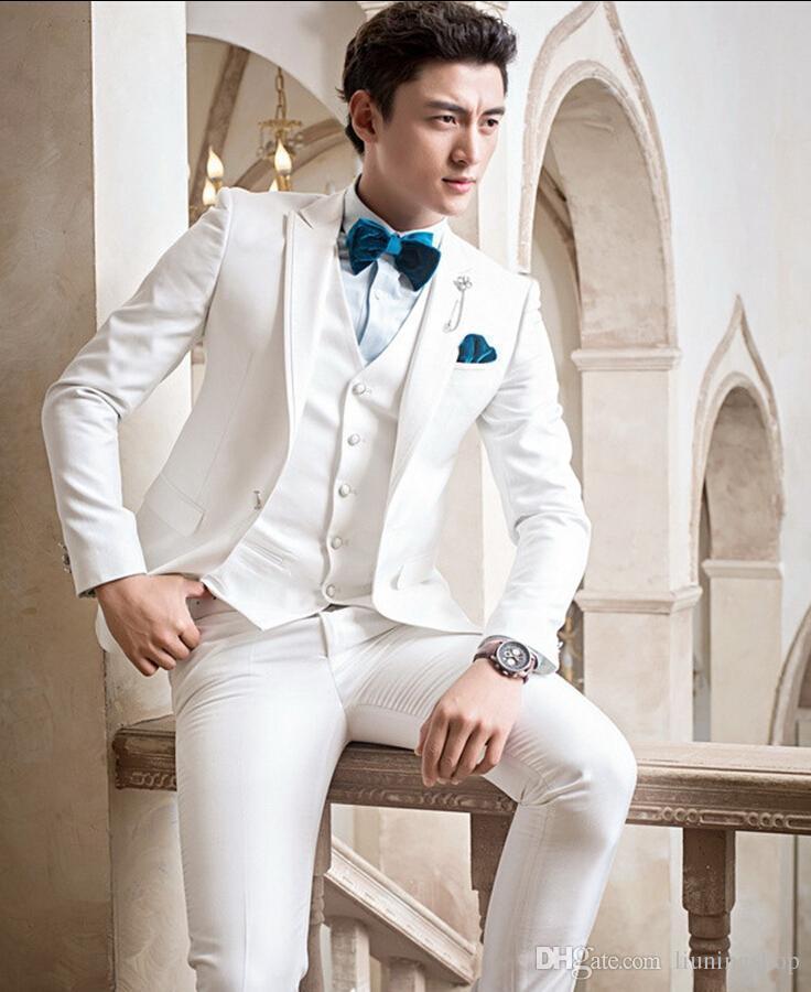 2018 hombres traje blanco enarbolado solapa trajes de la boda para hombre novio padrinos de boda por encargo simple Slim Fit esmoquin formal 3 piezas mejor hombre prom
