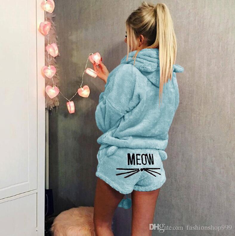 Pijamas del bordado del gato de las mujeres calientes del otoño de Europa y América 2018 con capucha casual de dos piezas envío gratis