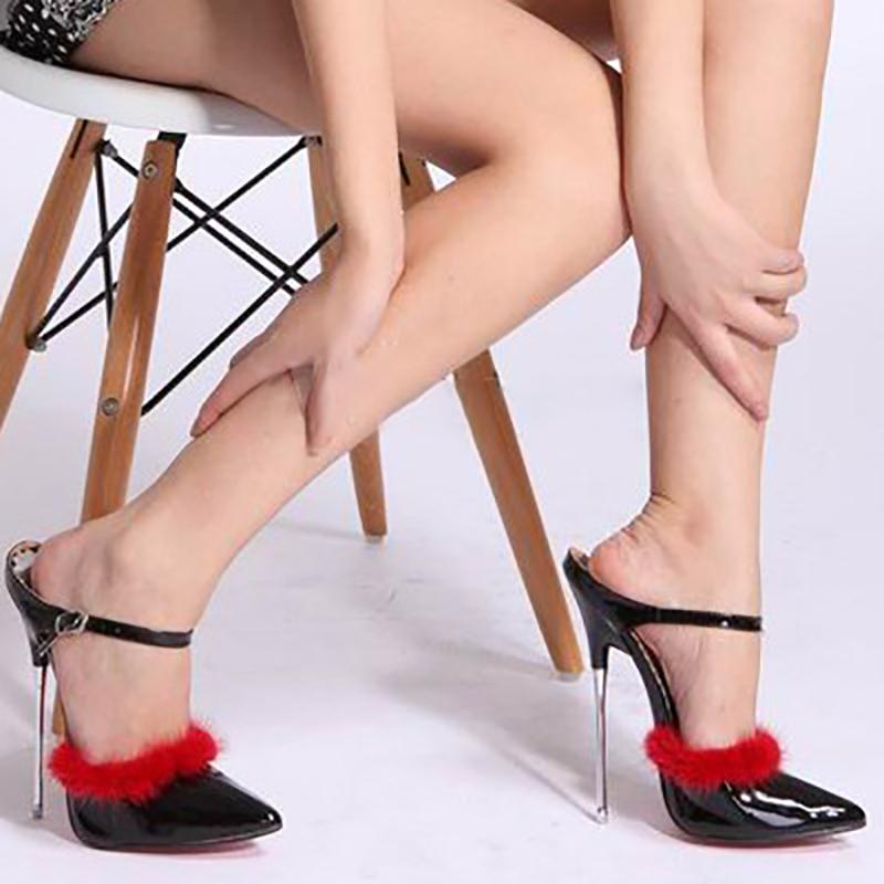 Sandales De Fourrure Talons Hauts Femmes D'été Chaussures De Mode Fond Rouge Métal Stiletto Partie Sexy Chaussure De Cheville Strap À Bout Ouvert Pumps Grande Taille