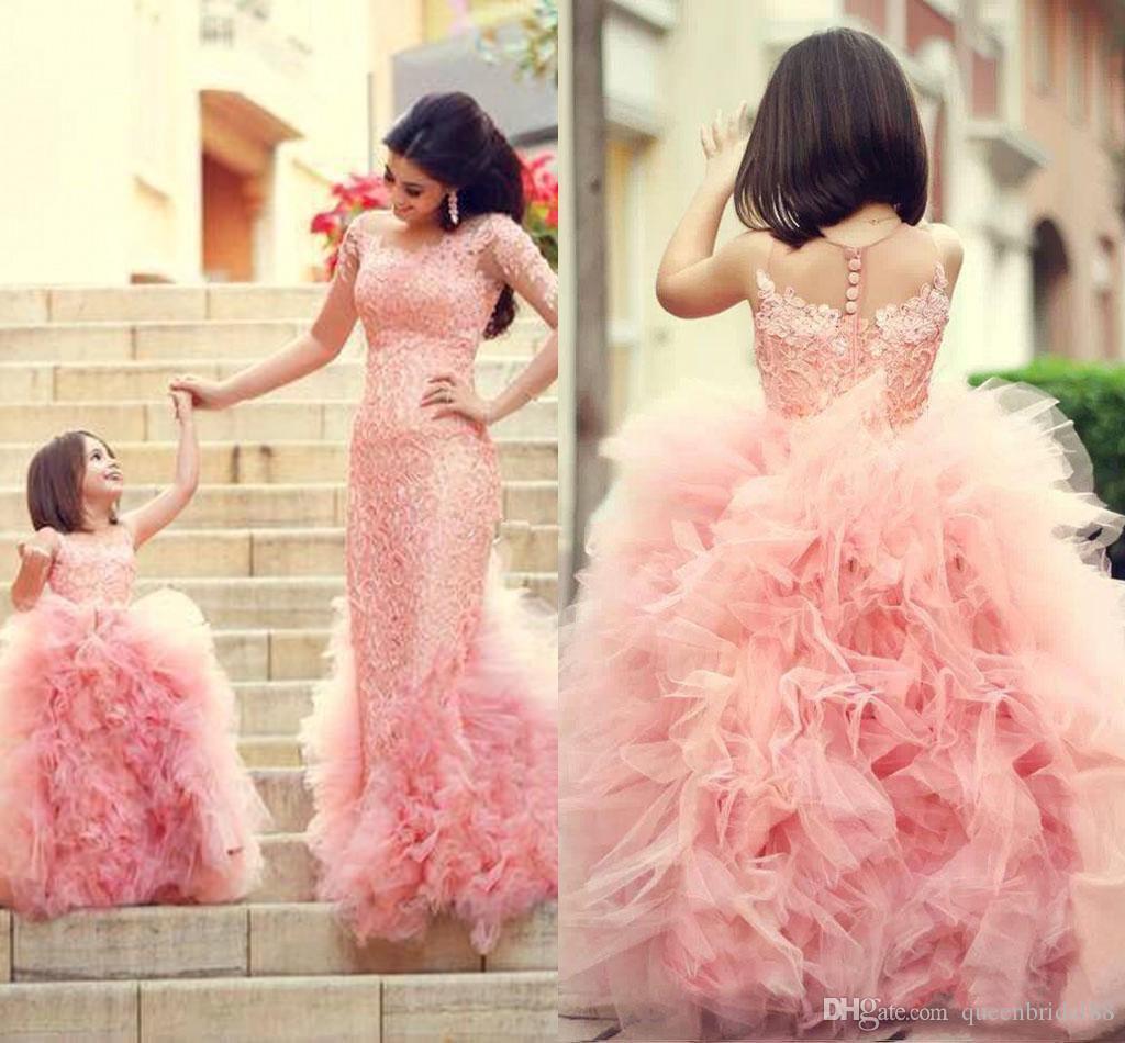 2019 Mãe e Filha Vestido Sheer Jewel Neck Applique Lace Vestidos de Festa de Casamento Lace Ruffles Tulle Flor Meninas Vestidos