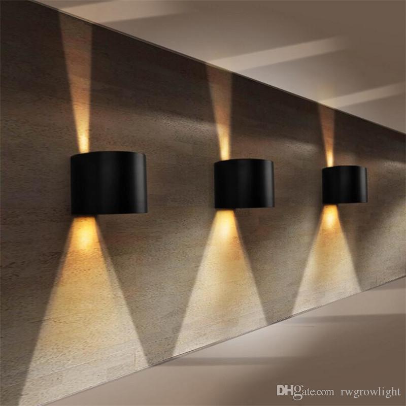 Lámpara de pared impermeable al aire libre, cuadrada, semicircular, ángulo de luz ajustable, arriba y abajo, luz de aluminio Lámpara de pared con decoración para interiores