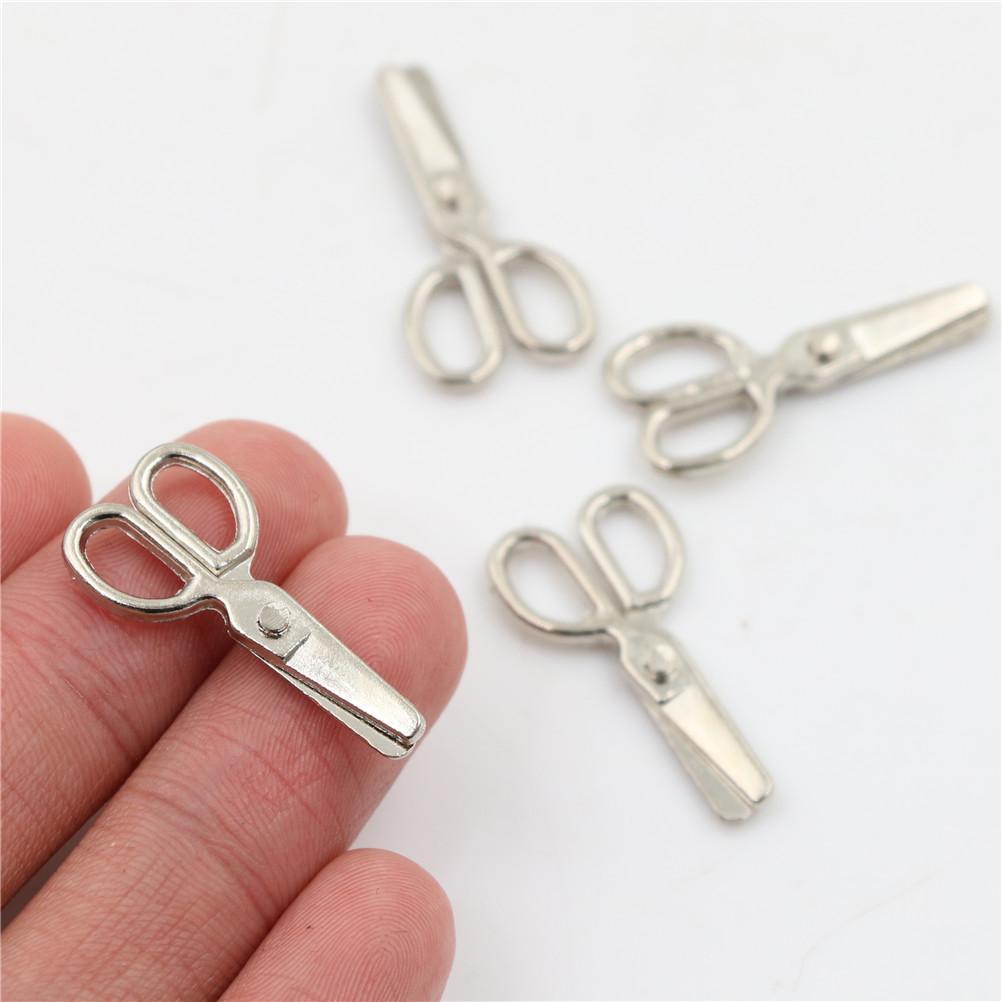4pcs Ciseaux Miniature en Métal Accessoires Pour 1//12 Maison De Poupées 3cm