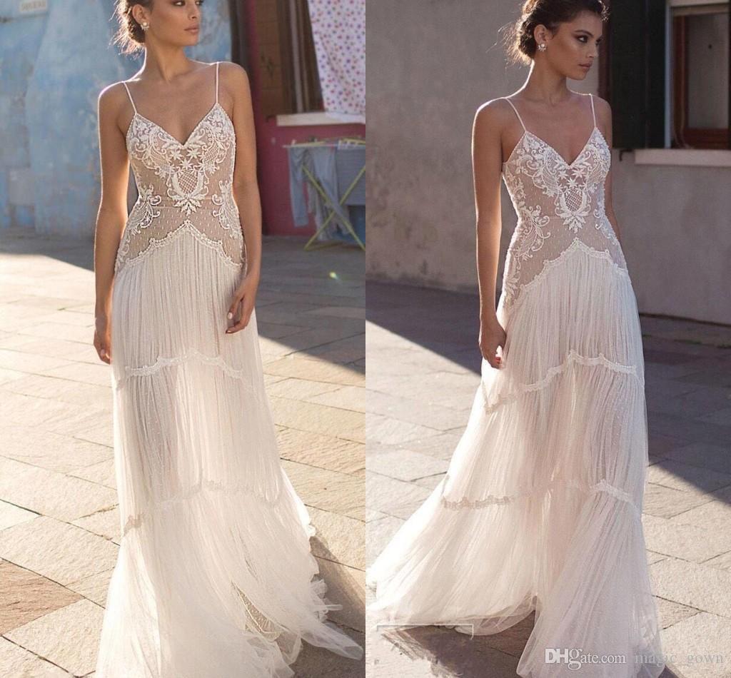 Sexy 2019 New Bohemian Cheap Vestidos De Casamento Cintas De Espaguete Applique Lace Sweep Train Vestido De Noiva Praia Vestidos De Noiva vestidos de novia