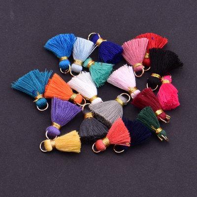 Charms 2CM 50PCS nappa pendente libero del braccialetto della collana di fascino del pendente nappe raso a gioielli e accessori fai da te 19colors all'ingrosso