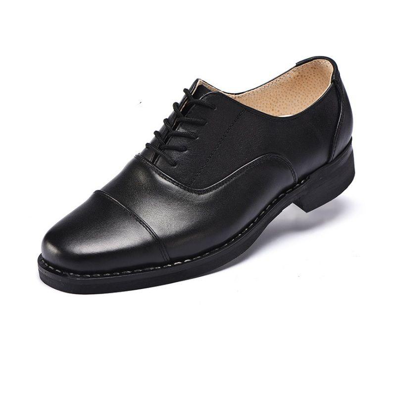 Scarpe da uomo da uomo Marchio di moda maschile casual scarpe di pelle di vacchetta Slip-on Mocassino in metallo Bottone da uomo scarpe da uomo Zapatillas scarpe da ufficio