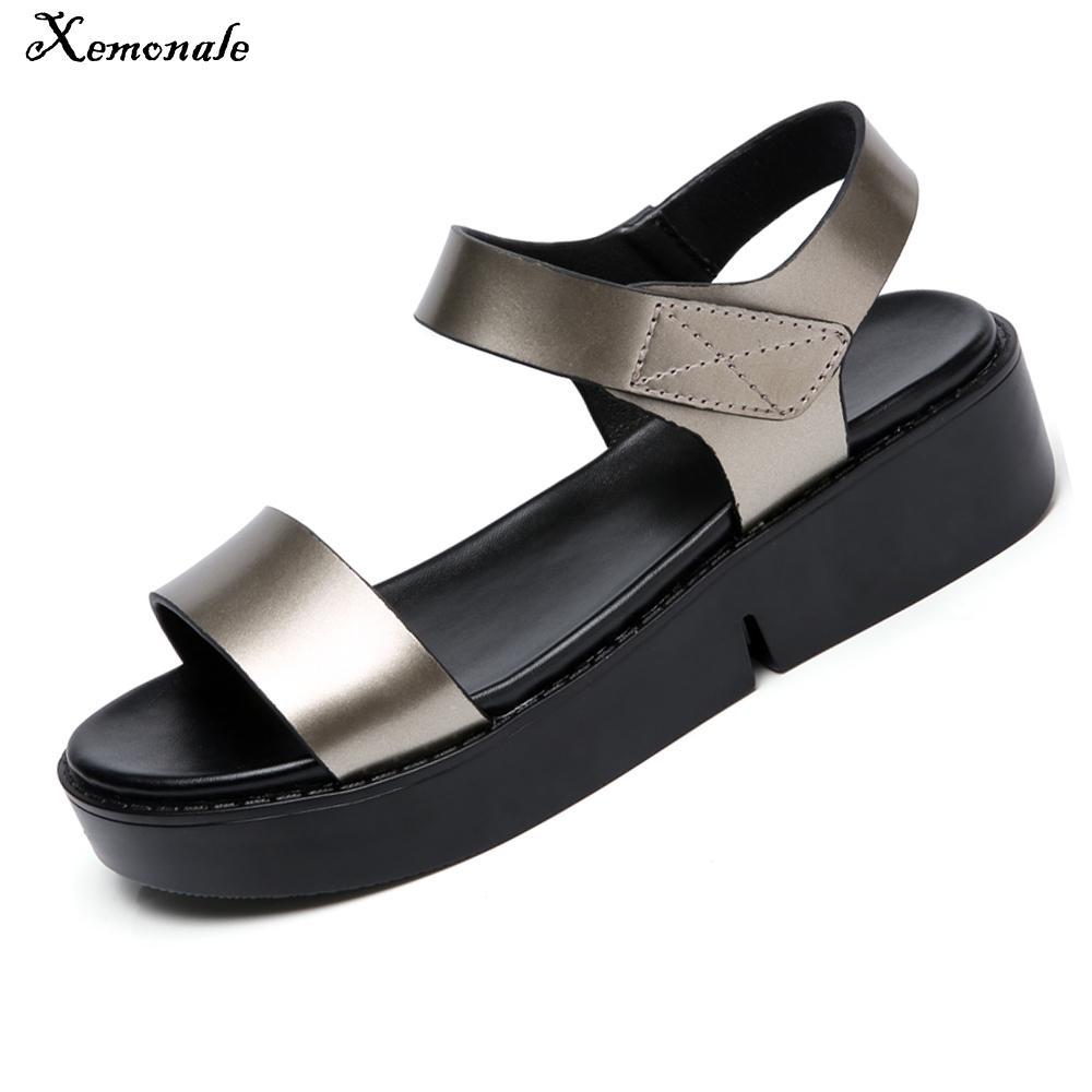 Xemonale 2018 été femmes sandales noir or plat sandales femmes plate-forme en caoutchouc sandales dames épais talon gladiateur sandales