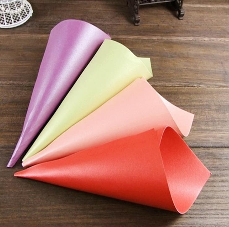 300pcs Wedding Favors Flower Cones Holder Ice Cream Style DIY Pearl Paper Candy Boxes Wedding Table Decor, White Pink Purple Green