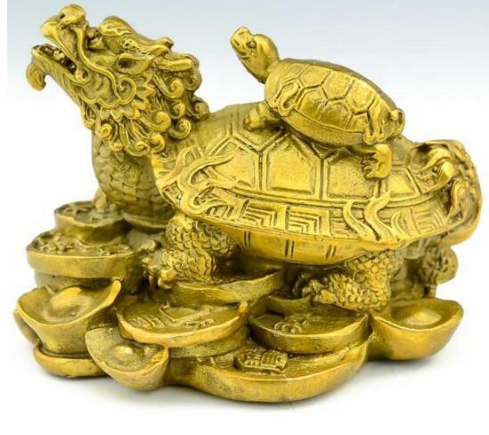 Tartaruga e tartaruga de cobre puro puro