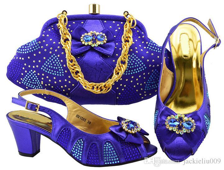 Hermosos zapatos de gatito wemon azul real con bonitos zapatos de diamantes de imitación con aretes africanos, juego de bolso para el vestido MM1065, tacón 6CM