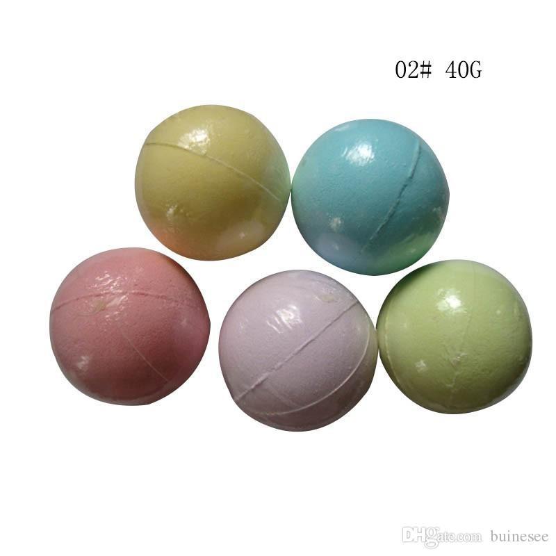 nuovo 40g colore casuale! Balsamo da bagno naturale a forma di palla di bomba Olio essenziale a mano con sali da bagno SPA Palla Fizzy Christmas Gift for Her