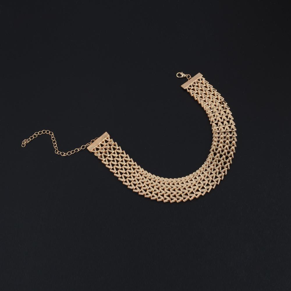 ebb8829166ec Compre Moda Amplia Mujer Gargantilla Collar De Oro   Plata Color De Aleación  De Zinc Cadena Femenina Collares Cuello Joyería Collier Femme A  21.77 Del  ...