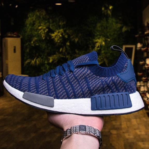 hot sale online 692a8 a0699 2017 Primeknit Upper Nmd R1 Stlt Boost Midsole Running Shoes On Sale, Buy  Sock Like Nmds Xr1 Runner Sneaker Solar Pink Blue Red Grey From ...