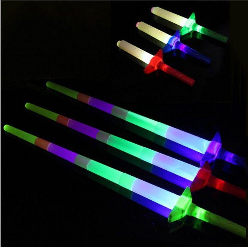 Marca nuevo precio bajo telescópica Palillos del resplandor de luz de flash para arriba el juguete fluorescente Espada concierto de Navidad Carnaval Juguetes 50pcs / lot liberan el envío