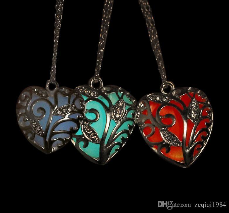 مزيج الألوان الجدة قلادات مضيئة شكل قلب قلادة قلادة متوهجة في الظلام القلائد سحر الأزياء والمجوهرات للنساء