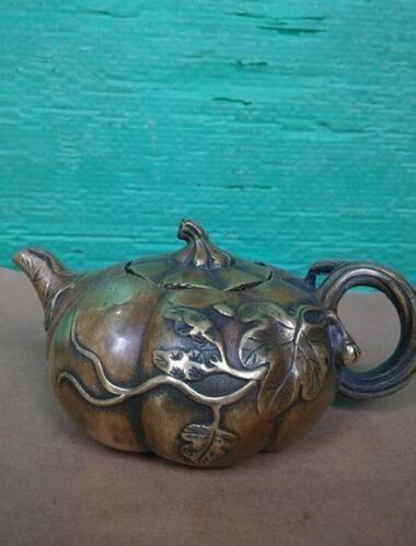 WBY 2017 705+++++The Brass Teapot pot do antique old pumpkin ornaments