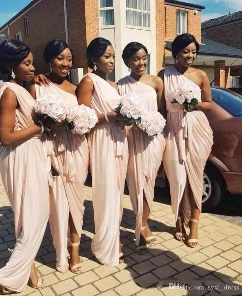 2018 한 어깨 쉬폰 신부 들러리 드레스 섹시한 셔링 프릴 긴 끈 팬티 프런트 파티 댄스 파티 드레스와 새시 주니어 신부 들러리 가운