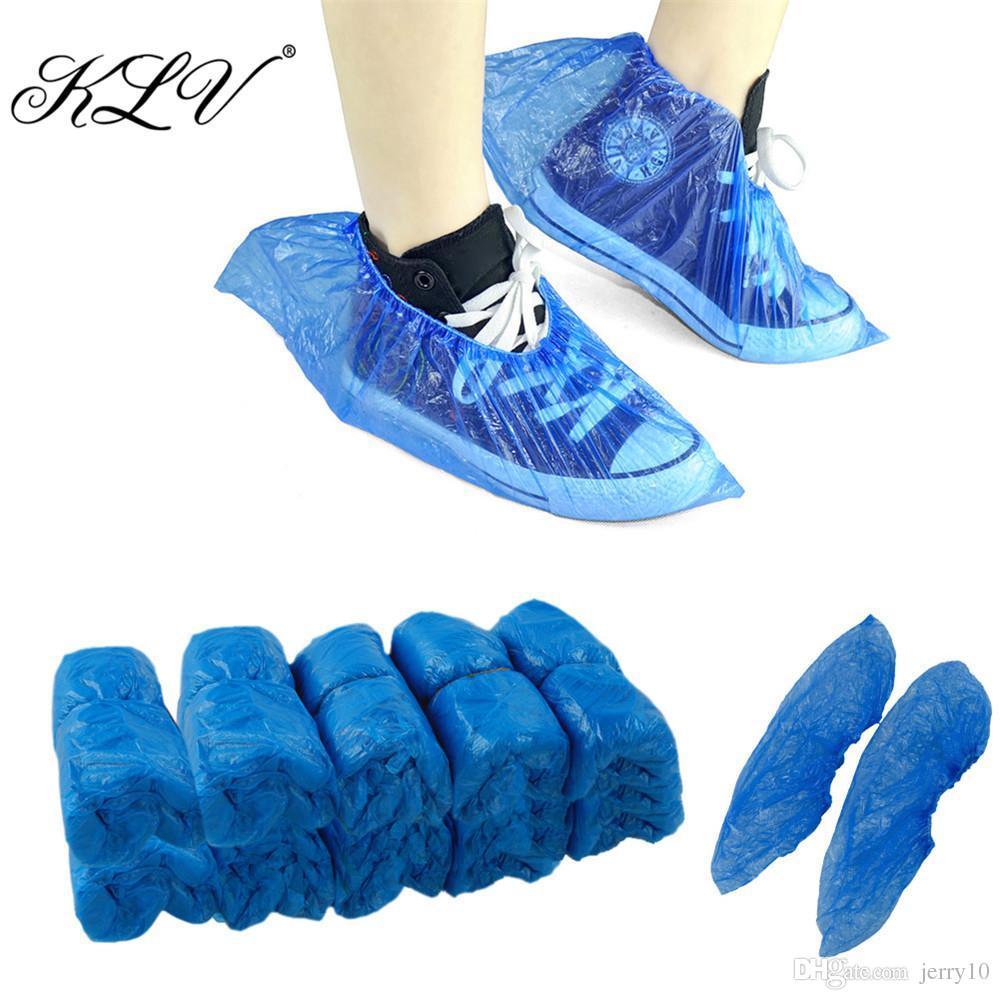 KLV 100Pcs Cubiertas impermeables para botas Cubiertas de plástico desechables para zapatos Cubre zapatillas
