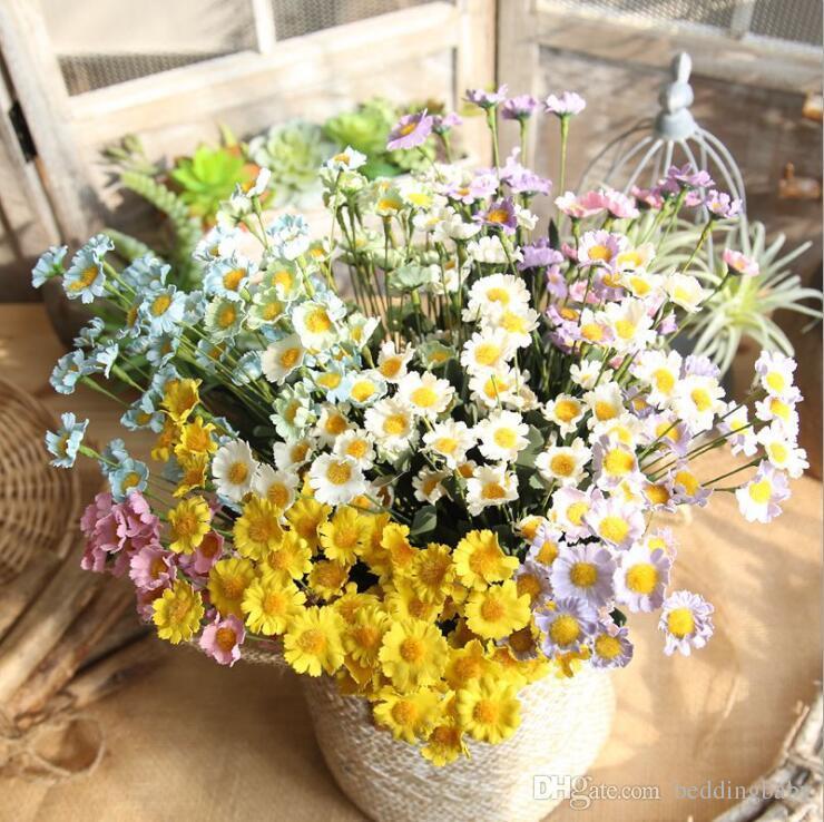 Compre Flores Falsificadas Daisy Amarelo Branco Hortênsias Cores Elegantes Presentes Para Centrais De Casamento Varanda Dinning Restaurante Flor