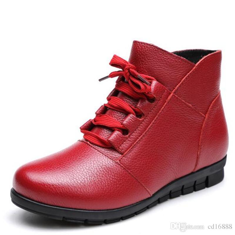 Lo nuevo zapatos planos cálido confort de invierno Botas de nieve Botas 2020 zapatos de cuero genuinos suaves plana y antideslizante zapatos ocasionales de las mujeres botas rojas negro