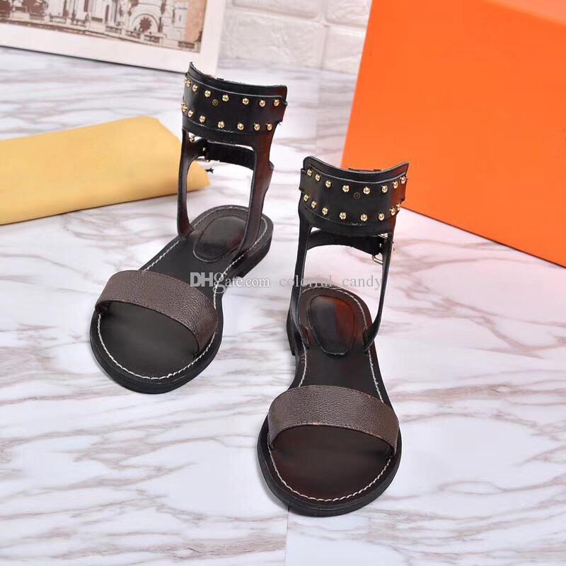 2018 Lüks Baskı Deri Bayan Sandalet Çarpıcı Gladyatör Tarzı Tasarımcı Deri Taban Mükemmel Düz Tuval Düz Sandalet Size35-41