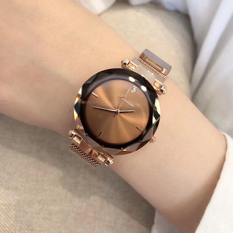 Mulheres de luxo Relógio Minimalista Japão Quartz Rose Gold Milanese Loop Banda de Aço Inoxidável Reloj Mujer fecho Magnético relógios de Pulso Y18102310