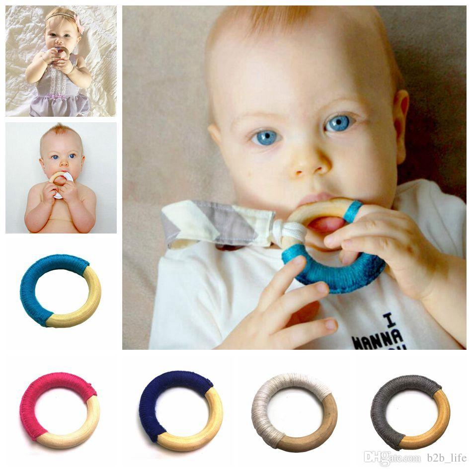 Handmade Natural Wooden Crochet Baby Infant Kids Teether Teething Ring Gift Toy Infant Wood Ring Teethers 8 Colors OOA3927