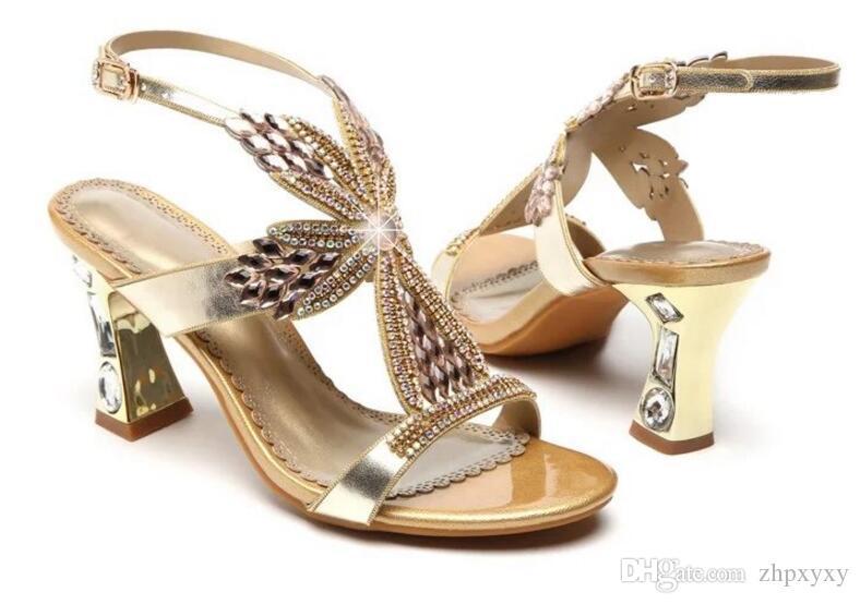 Diamant de la mode épaisse avec des talons hauts 2018 été nouvelle Europe et les États-Unis mis tarière sexy chaussures cristal poisson bouche sable 1NX18