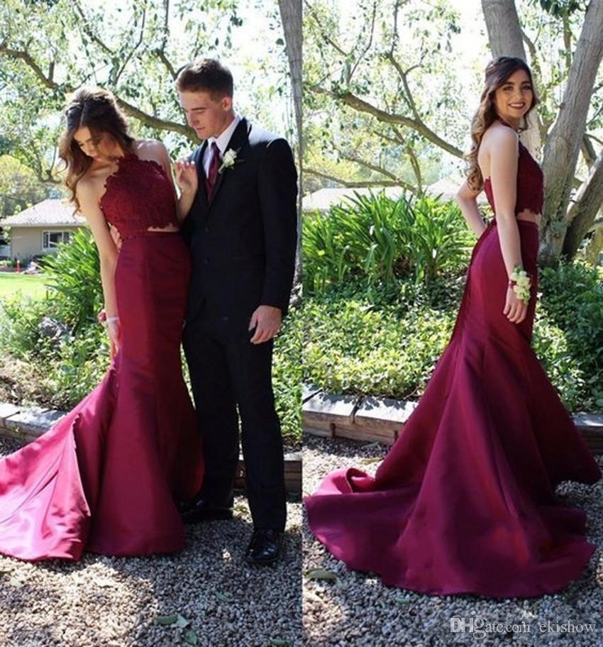 2018 Cheap Simple Halter Neck Burgundy Two Pieces Mermaid Prom Dresses Lace Applique Pleats Floor Length Evening Party Gowns Dress for Women