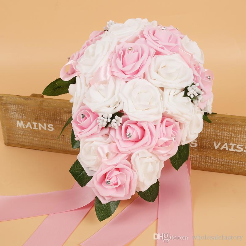 Barato rosa de espuma buquets nupciales flores hechas a mano flores artificial rosa suministros de boda novia sosteniendo flores broche ramo CPA1575