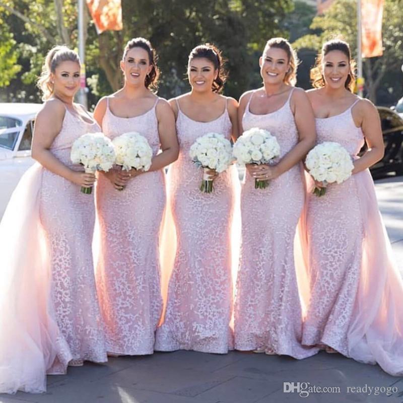 우아한 라이트 핑크 컨트리 신부 들러리 드레스 탈착식 기차 인어 레이스 웨딩 게스트 드레스 저렴한 스쿠프 목 하녀 명예 가운
