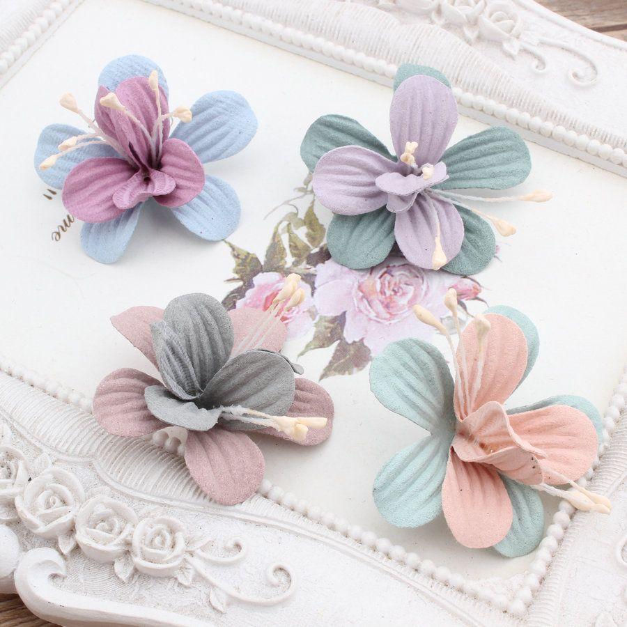 Yeni Tasarım 50 adet / grup Renkli Süet Karikatür Lilyum Çiçek Şekli El Yapımı Mikrofiber Çiçek Moda Bandı Katı Şapkalar