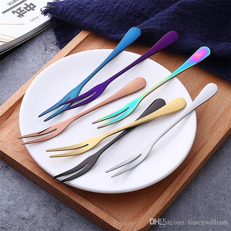 Tenedor colorido de la fruta del acero inoxidable de la bifurcación del titanio de la buena calidad de la fruta del metal colorido en la promoción