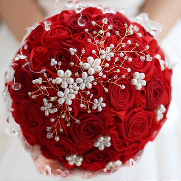 Özel Çin Düğün Buket Kırmızı Ipek El Yapımı Gül Kristal Inci El Yapımı Gelin Buketi