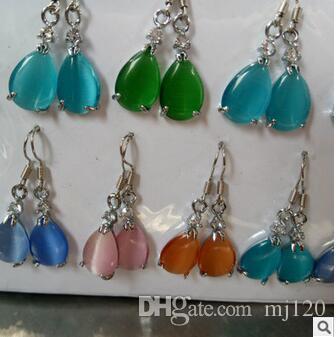 . Livraison gratuite et vente chaude bijoux en gros et argent incrusté avec des yeux de chat boucles d'oreilles goutte de jade pierre avec boucle d'oreille de couleur glace.