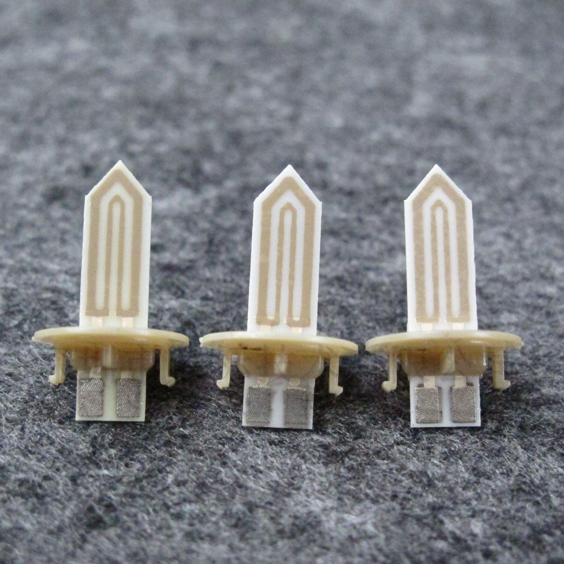 Accessoires de réparation de rechange Platine de chauffe en céramique dorée Platine Chauffe-lame en céramique pour IQOS 2.4 Plus Cigarette Bâton thermique