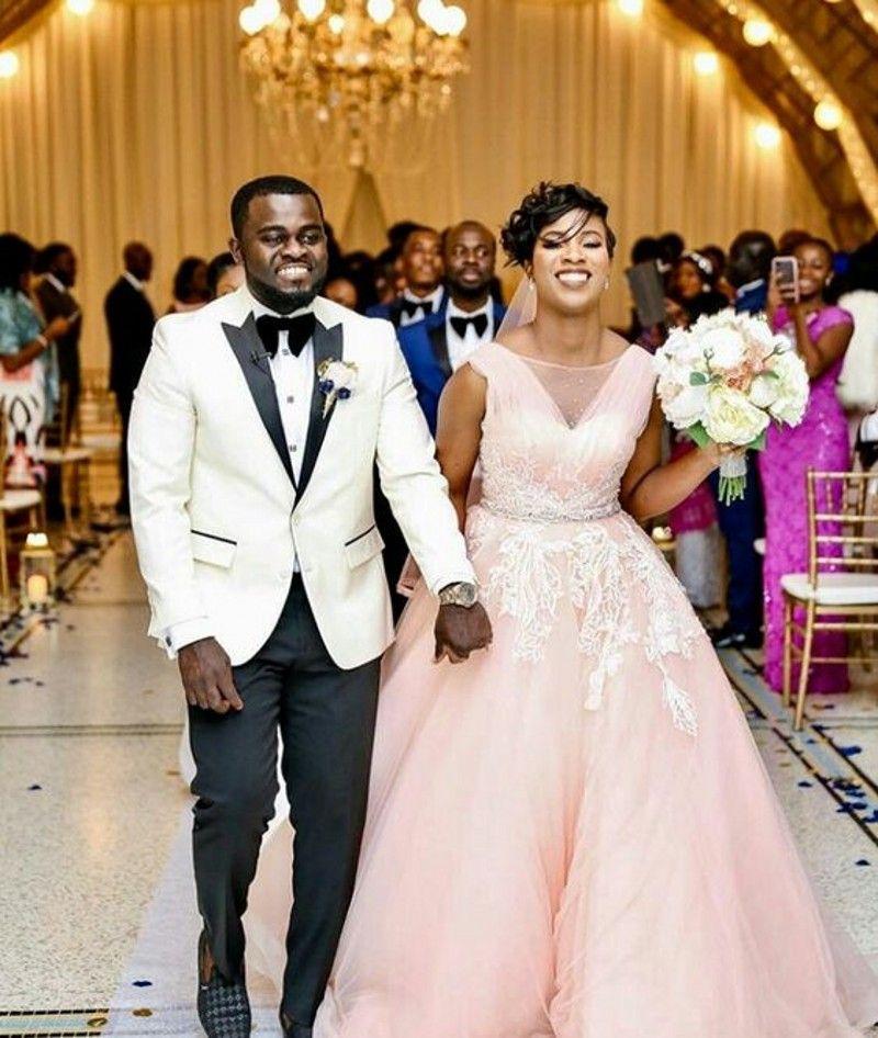 Bohemian Country Wedding Dresses 2019 Modest With Sheer Bateau Neck A Line Lace Applique Tulle Boho Bridal Gowns vestidos de noiva Cheap