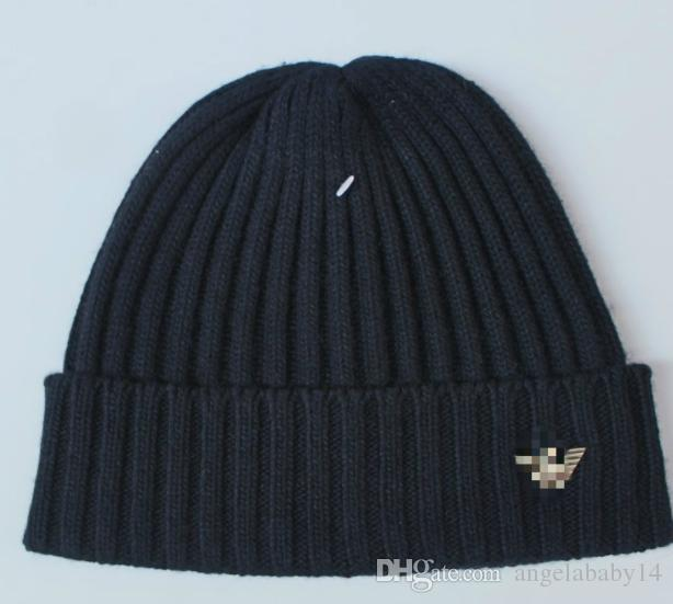 2018 hits new both male and female, high-quality knitted hats Europe and America cotton winter hats Fashionable anti-side winter hat