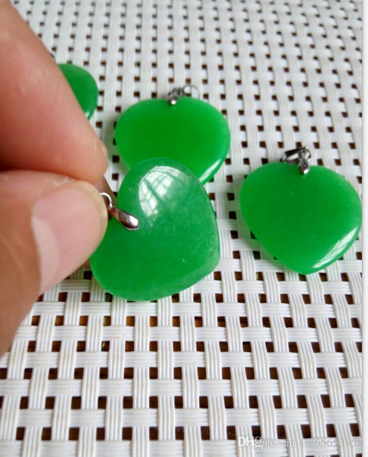 a buon mercato all'ingrosso giada verde smeraldo di cuore argento ciondolo / collana C1