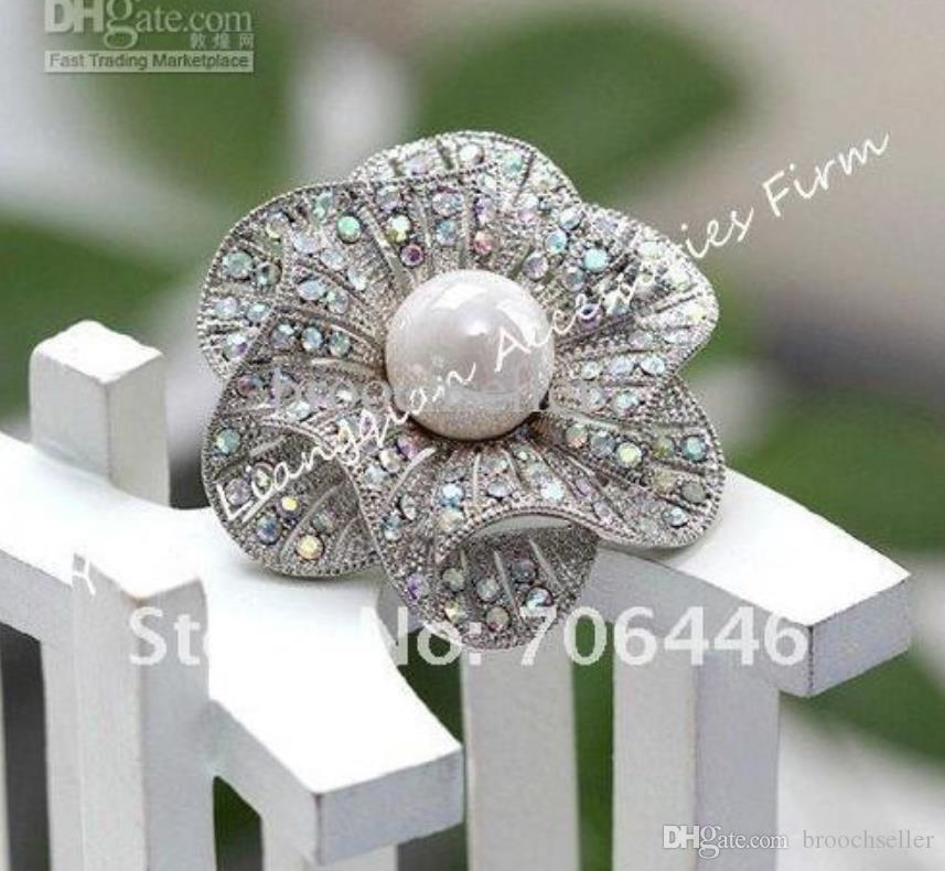 Rhodium plateado hermoso claro AB Rhinestone Crystal blanco Faux Pearl Center flor nupcial broche