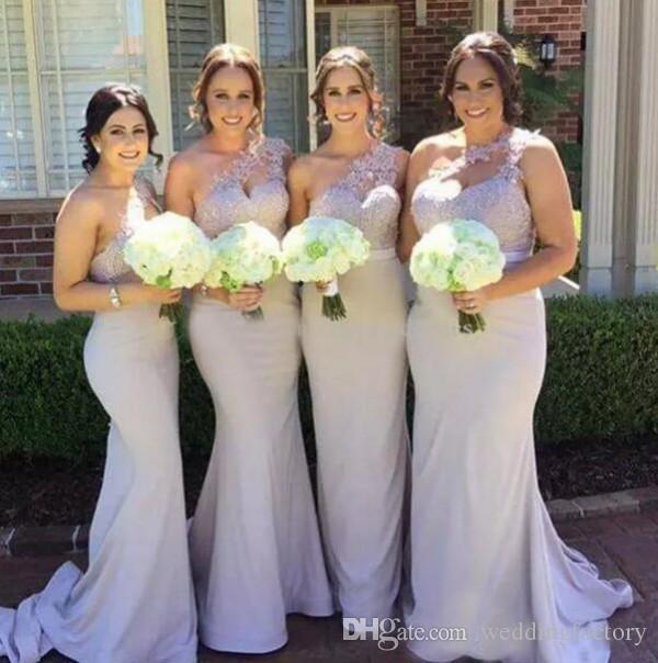 2019 Nuevos vestidos de dama de honor de la sirena barato un hombro apliques de encaje satinado sin respaldo largo dama de honor vestidos de invitados de boda