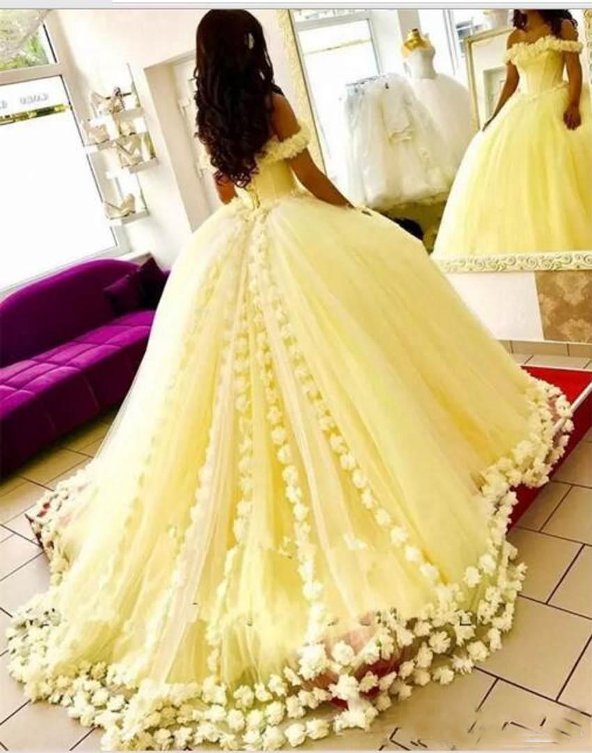 Wunderschöne gelbe Quinceanera-Kleider aus der Schulter 3D-Floral Appliques Ballkleider 2019 Neuankömmling Sweet 16 Kleid Günstige Prom Kleider