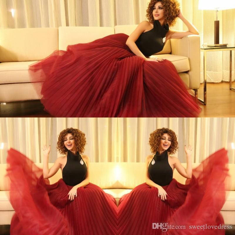 Seksi Backless Siyah Ve Kırmızı Halter Gelinlik Modelleri Myriam Fares Ruffles eveing törenlerinde Tül Pist Moda Örgün Parti Elbise