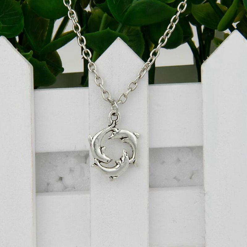 Hot Sale Ancient Silver Three Dolphins Charm Pendant 45cm Choker Necklaces Fashion Creativity Women Men Jewelry Accessories Holiday Gifts