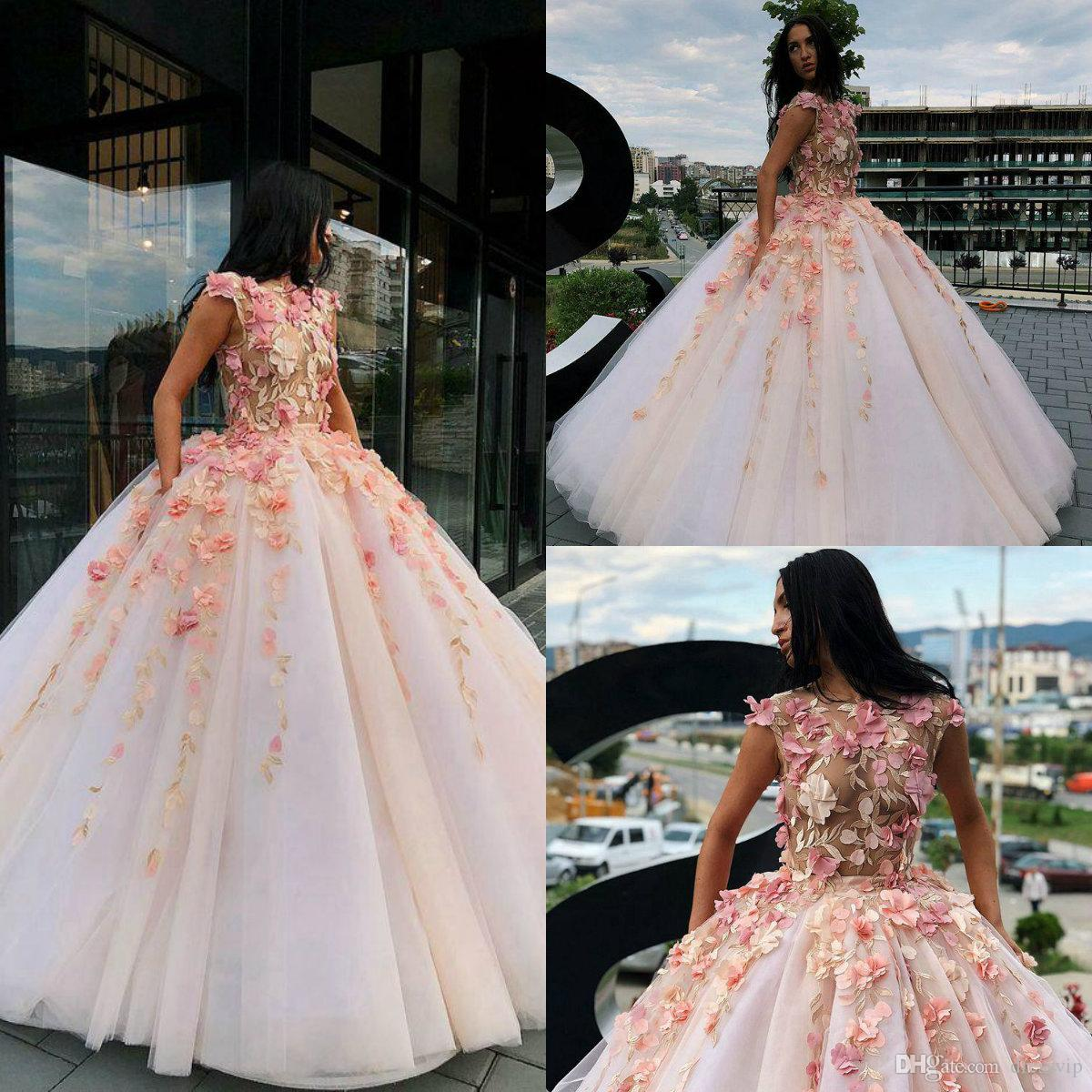 Charming Prom Dresses With 3D Floral Appliques Jewel Neck Ball Gown Quinceanera Qresses With Free Petticoat Floor Length Evening Gowns
