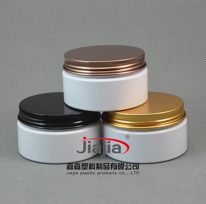 جرة 100G البلاستيك الأبيض الحليب اللون إفراغ PET مستحضرات التجميل التعبئة والتغليف، 100ML البيضاء جرة PET مع كاب أسود / برونزية / الذهب الألومنيوم برغي