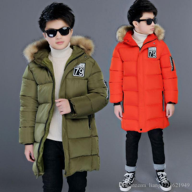 Novos meninos no inverno grandes crianças grossas gola de pele grande longo parágrafo 79 jaqueta de algodão quente